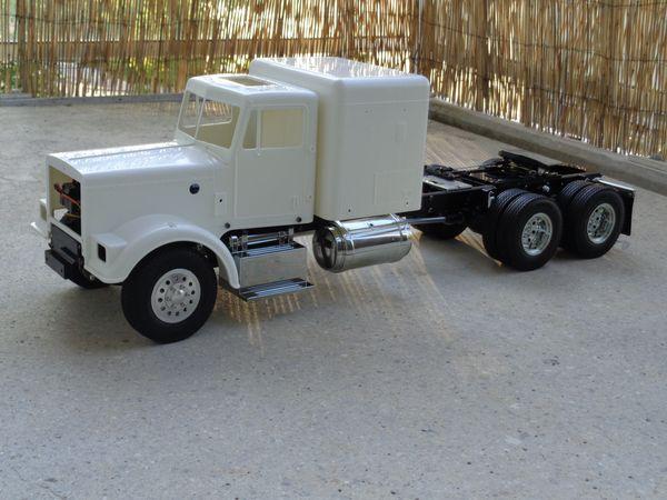 Grand Hauler de Tony - futur Log truck DSC00651-1