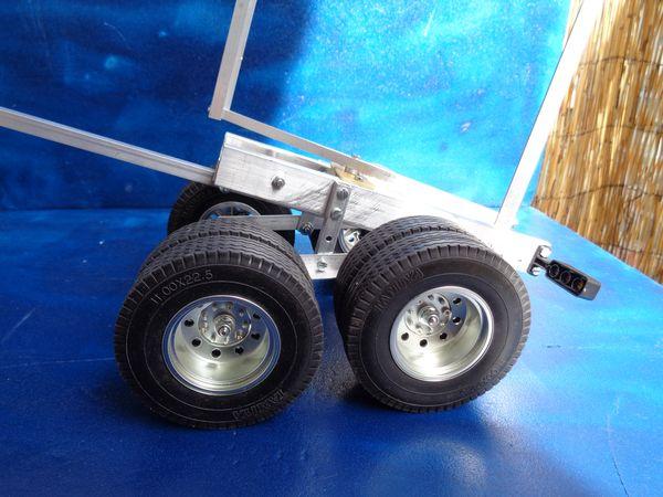 Grand Hauler de Tony - futur Log truck DSC00988_1
